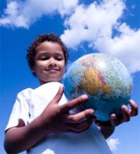 boy-with-globe